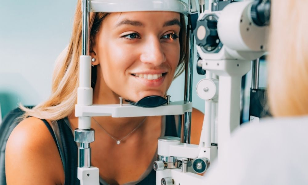 How To Measure Intraocular Pressure Applanation Tonometry