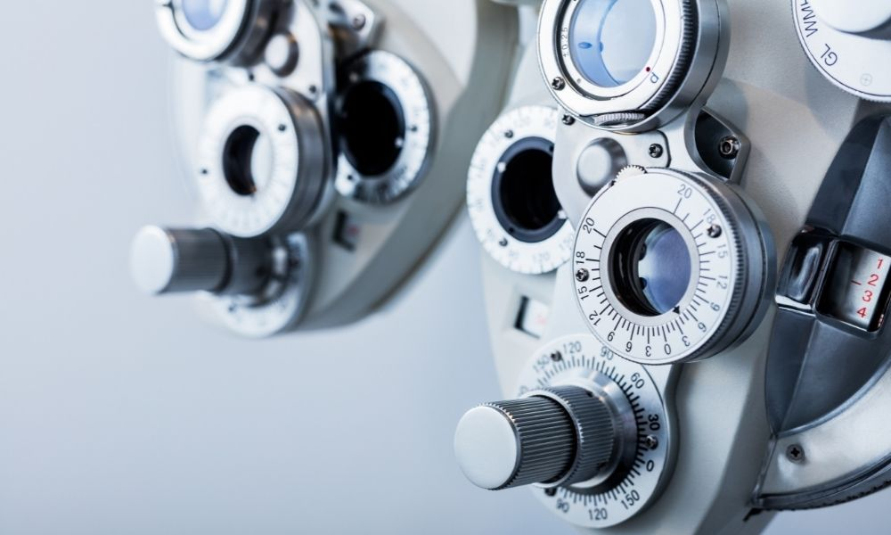 A Guide To Ophthalmic Instrument Cleaning and Sterilization